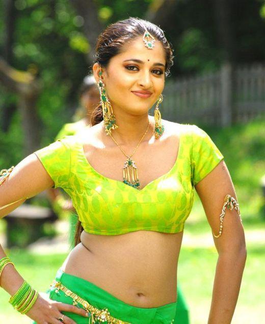 Hot Anushka Shetty Face Cute and Hot Navel Stunning Pic