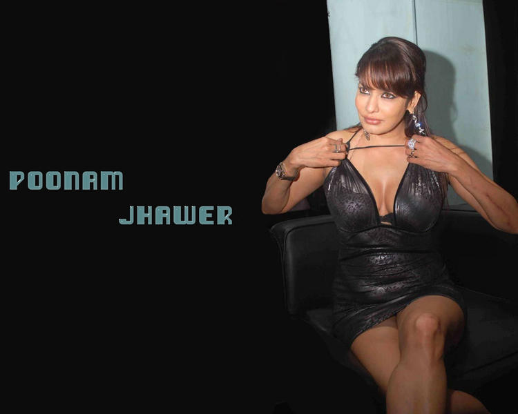 Hot Model Poonam Jhawar Glamour Boob Wallpaper
