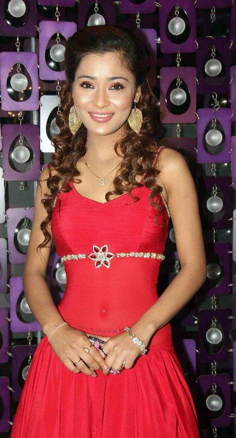 Hot Sara Khan in Red