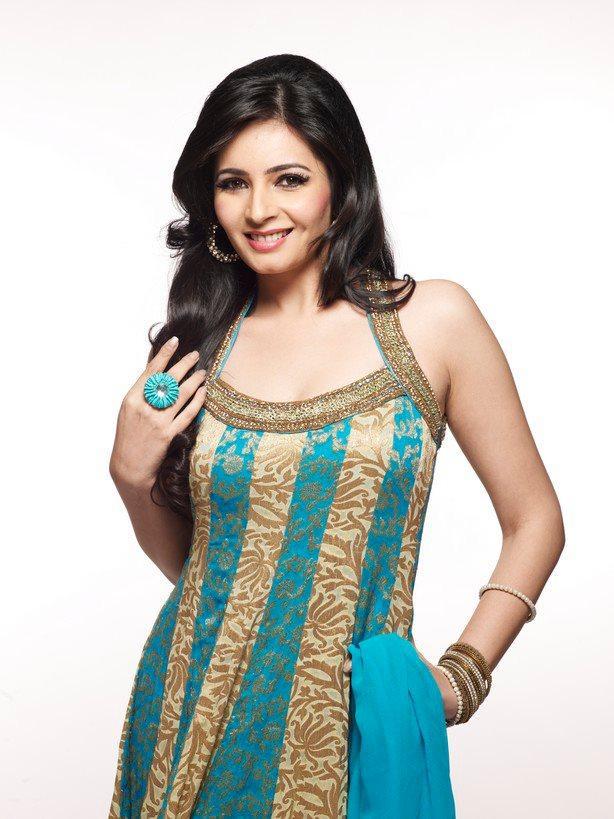 Hot and Sexy Shonali Nagrani