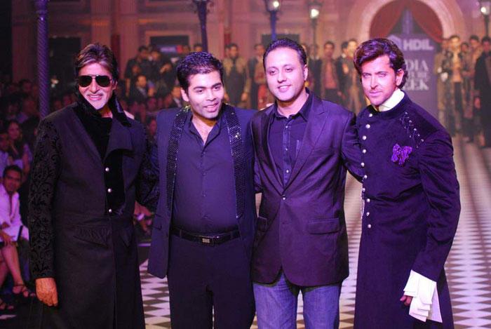 Hrithik Roshan,Amitabh and Karan Pose To Photo Shoot