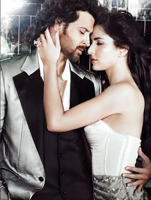 Hrithik Roshan and Katrina Kaif Kiss Still