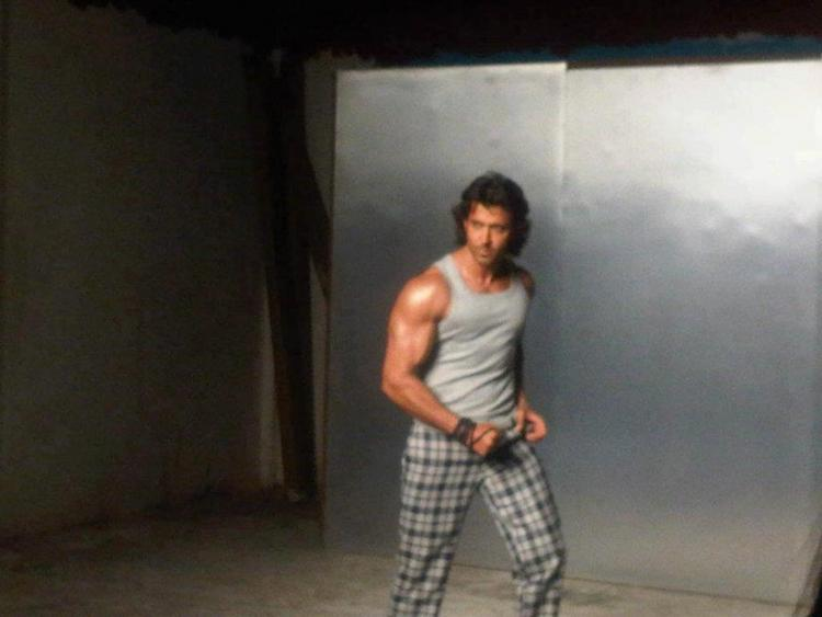 Hrithik Strong Body Show on The Sets of an Ad