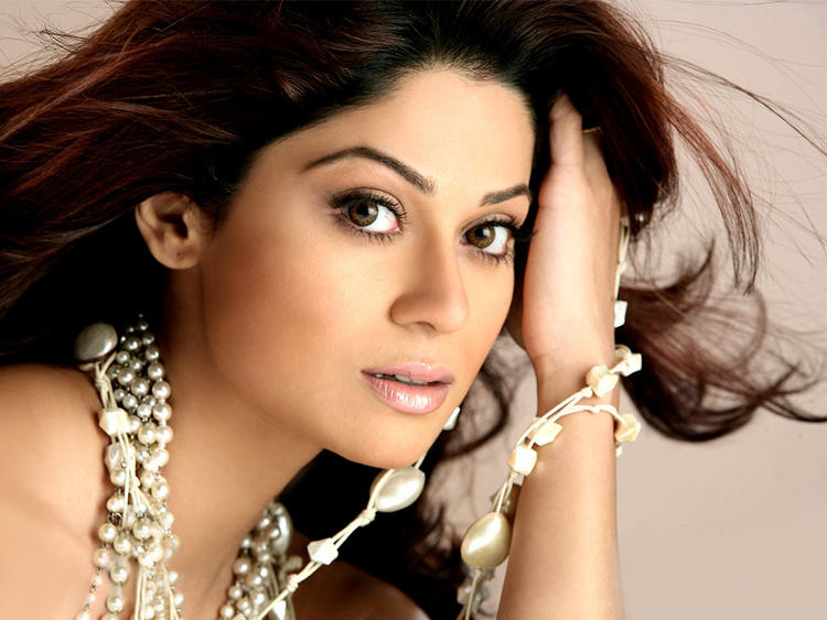 Item Girl Shamita Shetty Wallpaper