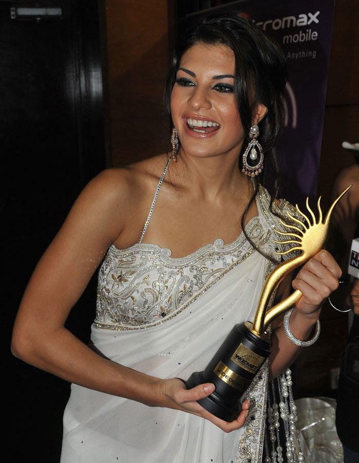 Jacqueline Fernandez with IIFa Awards In Saree