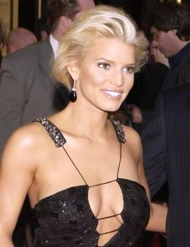 Jessica Simpson Breasts Show Hot Pic