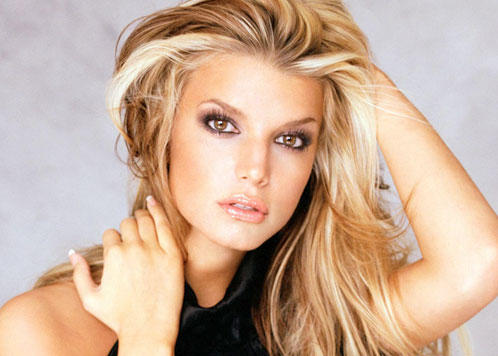 Jessica Simpson Sexy Eyes and Spicy Lips Photo