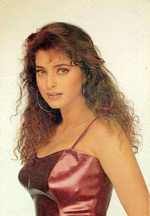 Juhi Chawla Curly Hair Romantic Look Wallpaper