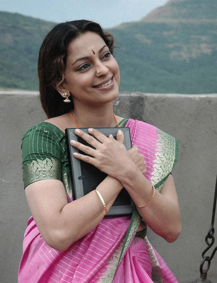 Juhi Chawla Film Pic