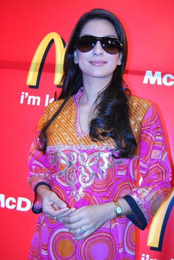 Juhi Chawla Hot Look Wearing Goggles