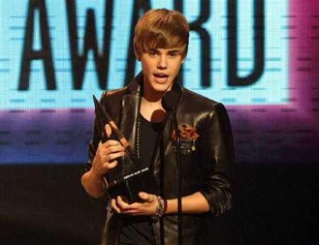 Justin Bieber With Awards