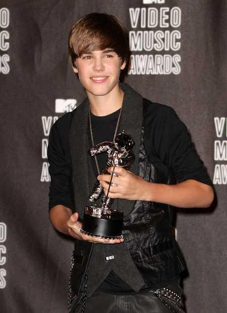 Justin Bieber With Music Awards