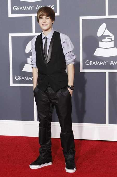 Justin Bieber at Annual Grammy Awards On Red Carpet
