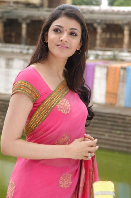 Kajal Agarwal Awesome Face Look With Pink Color Saree