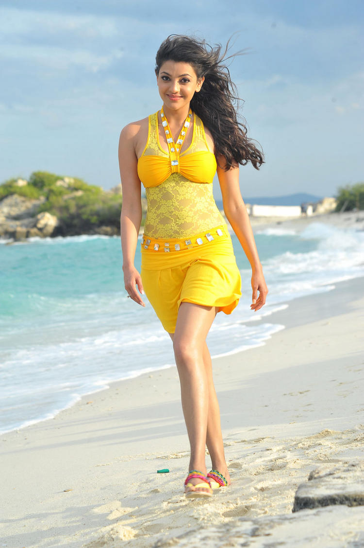 Kajal Agarwal Looking Hot In Business Man Movie