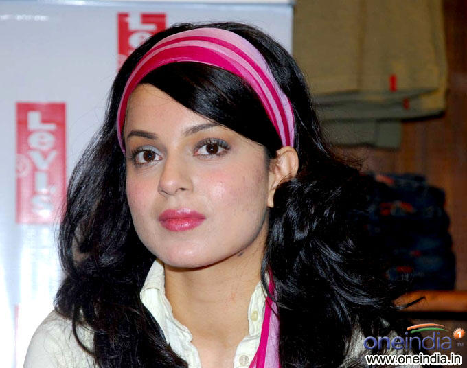 Kangana Ranuat Cute Makeup Still