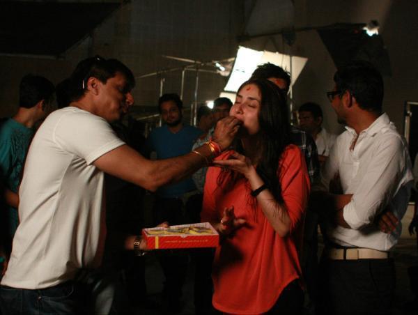 Kareena Kapoor,Madhur On The Sets of Heroine