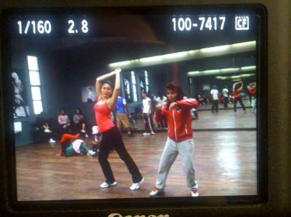 Kareena Kapoor Dance Pic On The Sets of Heroine