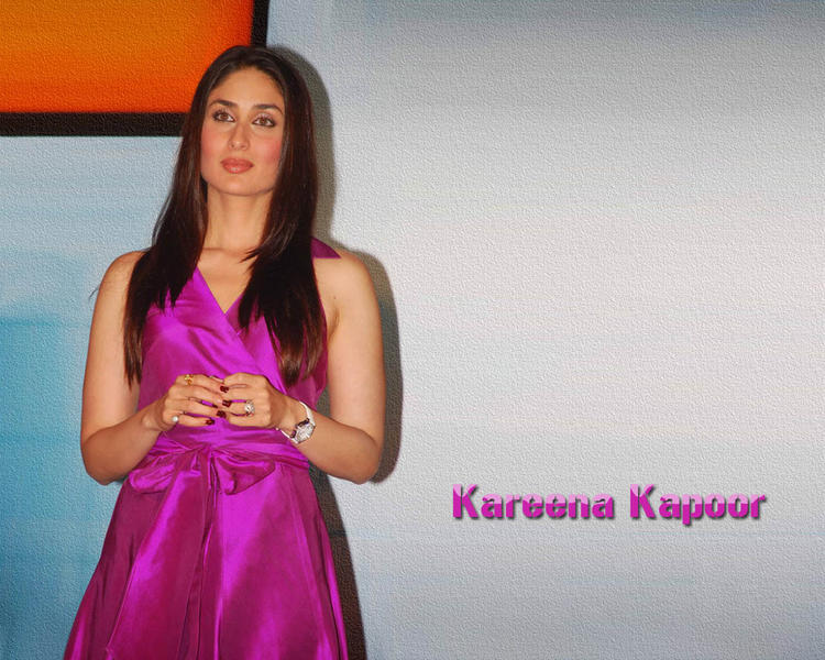 Kareena Kapoor Gorgeous Face Look Wallpaper