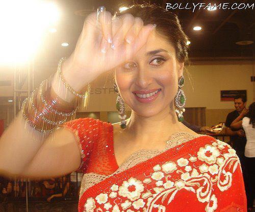 Kareena Kapoor In Saree On The Sets of Heroine
