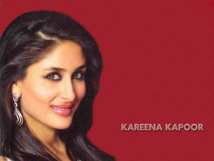 Kareena Kapoor Sexy Face Glamour Wallpaper