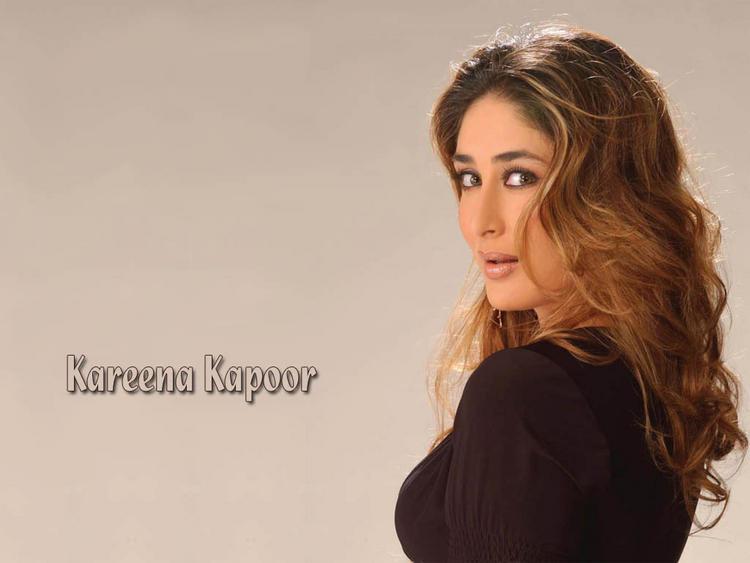 Kareena Kapoor Sexy Face Look Wallpaper
