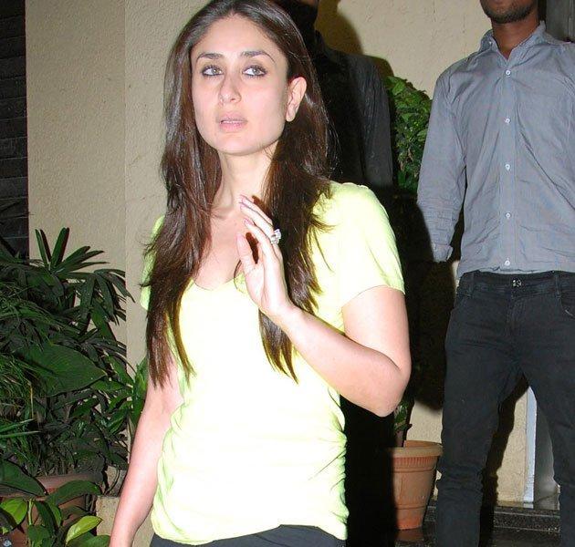 Kareena Kapoor Snapped To Watch Agent Vinod