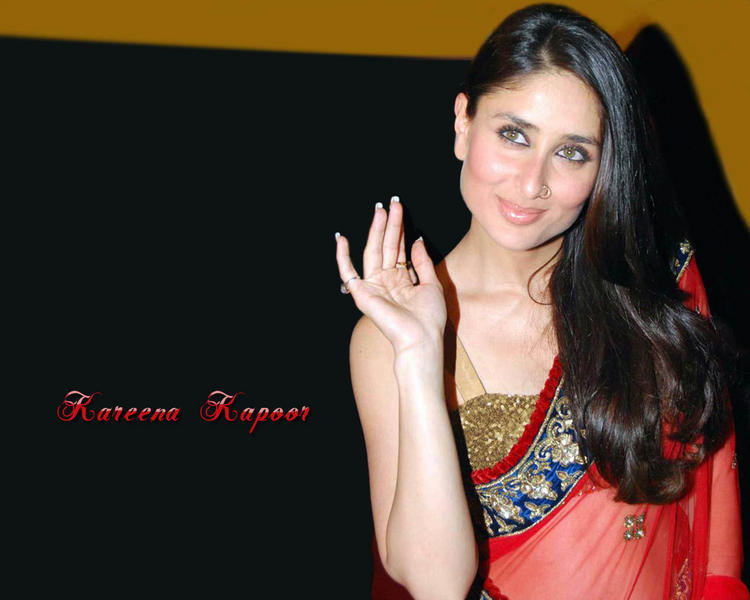 Kareena Kapoor Sweet Look Wallpaper