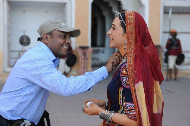 Karishma Kapoor On the Sets of Dangerous Ishhq in Rajasthan