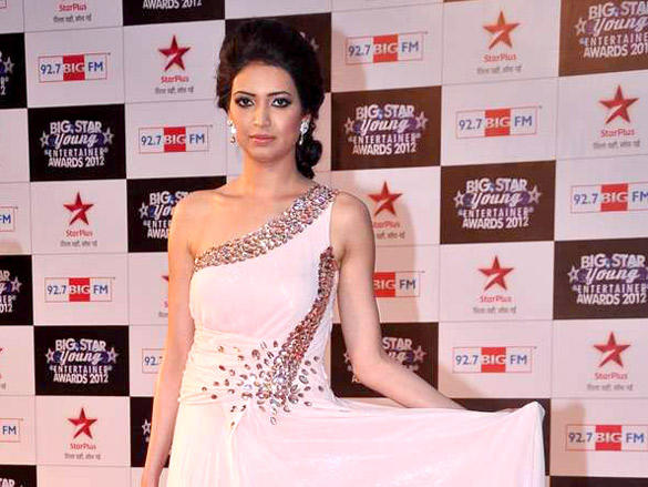Karishma Tanna at Big Star Young Entertainer Awards 2012