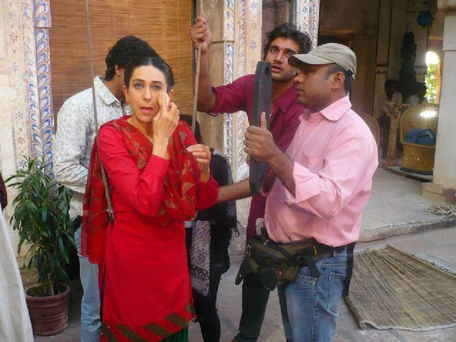 Karisma Kapoor On the Sets of Dangerous Ishhq in Rajasthan