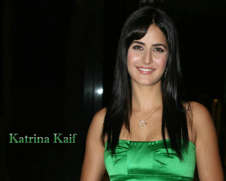 Katrina Kaif Long Hair Glamour Wallpaper