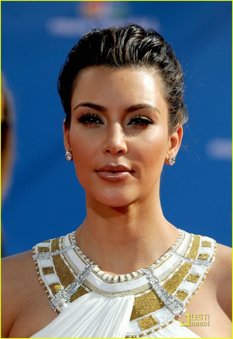 Kim Kardashian Hair Style Latest Glamour Still