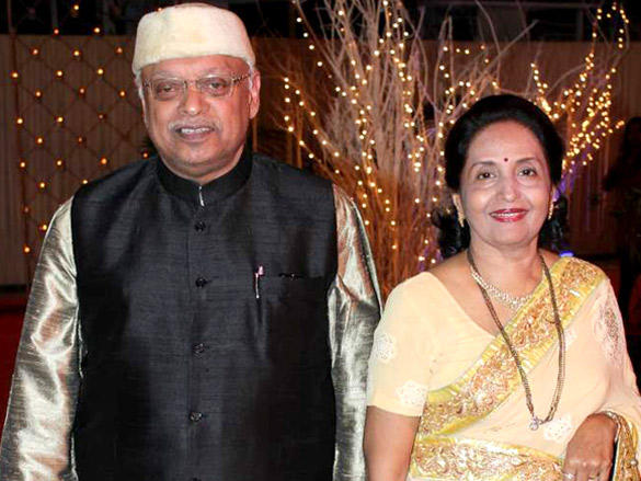 Kiran Shantaram with wife at Vikas Kalantri wedding reception