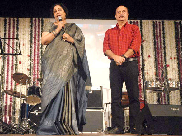 Kirron Kher speak something about her father in law