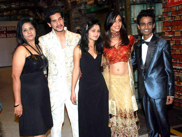 Kishwar Merchant,Suyash Kumar at Saazish and Shaina debut bridal show