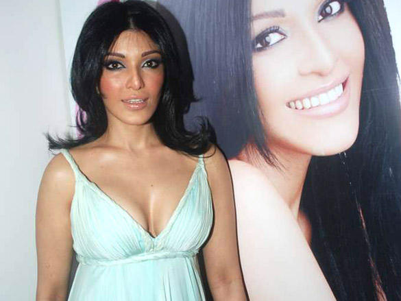Koena Mitra Launches Look Young Cosmetic Clinic