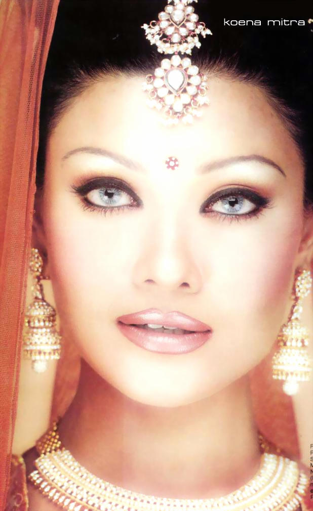 Koena Mitra Romancing Face Look Wallpaper