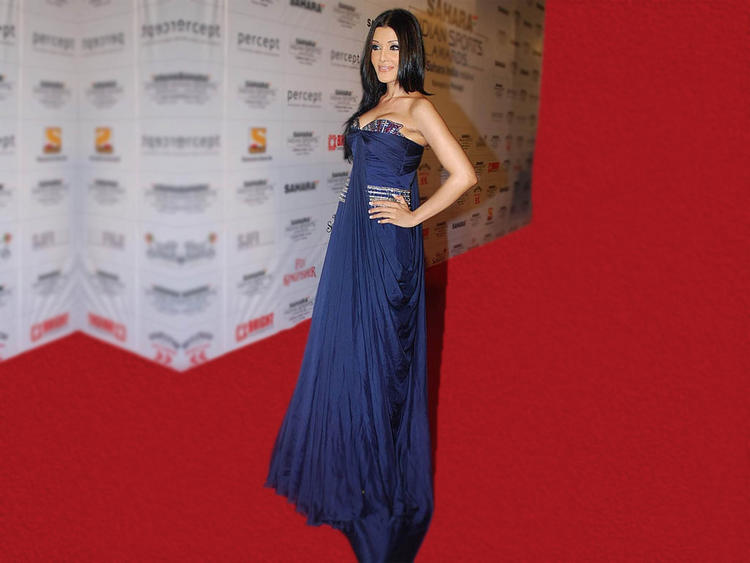 Koena Mitra Sleeveless Dress Wallpaper