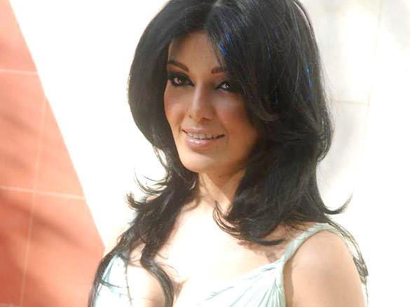 Koena Mitra at Look Young Cosmetic Clinic Launch