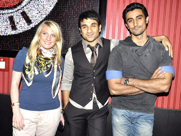 Kunal Kapoor,Vir Das at Comedy Store 2012