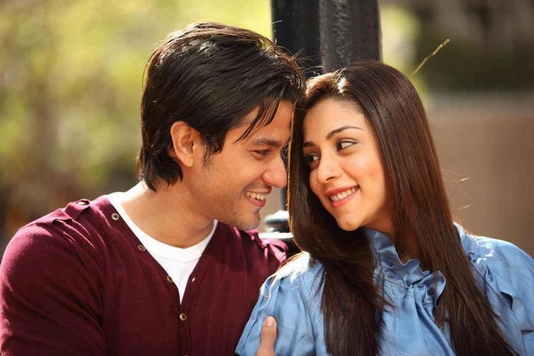Kunal Khemu,Amrita Puri Romance Still In Blood Money
