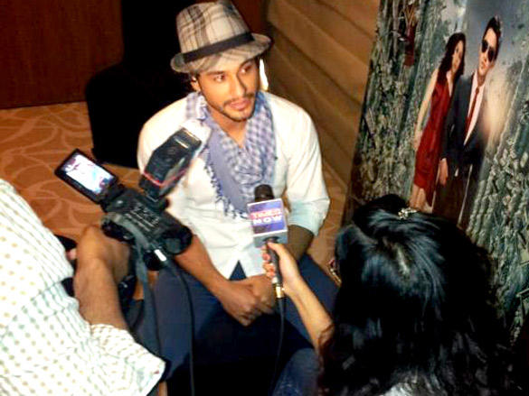 Kunal Khemu Promote His Film Blood Money at 98.3 FM In Delhi