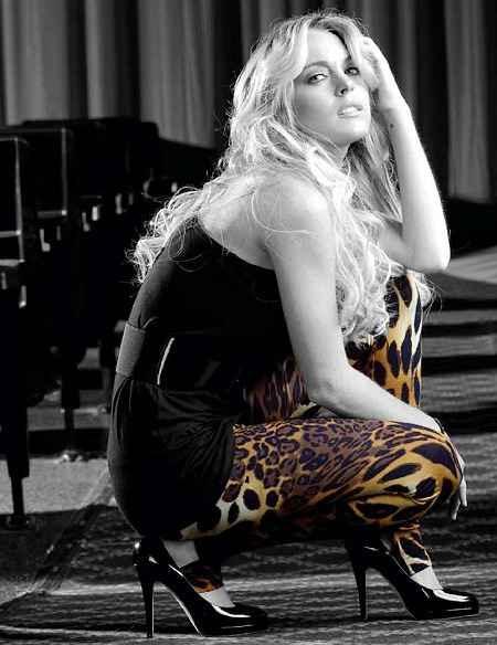 Lindsay Lohan White Hair Latest Hot Photo