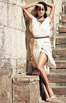 Lisa Haydon Stunning Pic For Elle India April 2012