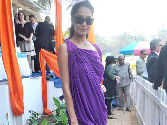 Lisa Haydon at Poonawala breeders Multi Million race