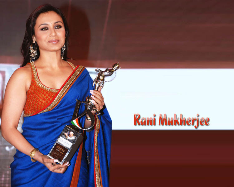 Lovely Actress Rani Mukherjee Wallpaper