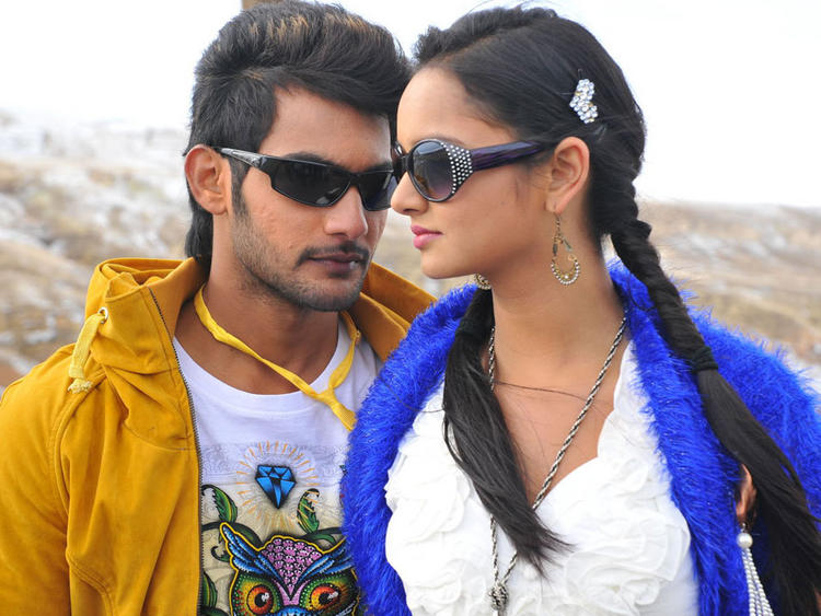 Lovely movie Aadi and Shanvi sexy pics