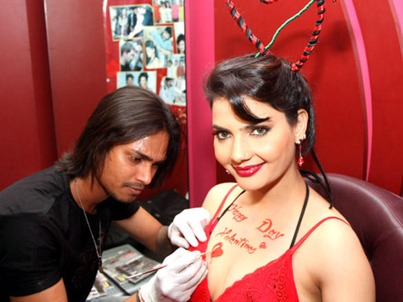 Madhavi Sharma also got Happy Valentines day tattoo done by Subhash