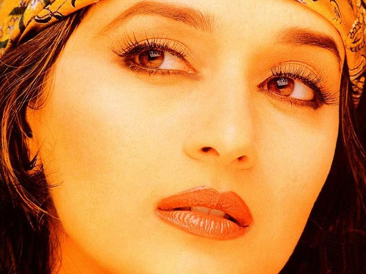 Madhuri Dixit Beautiful Eyes and Sexy Lips Wallpaper